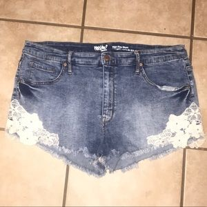 High rise lace shorts size 18